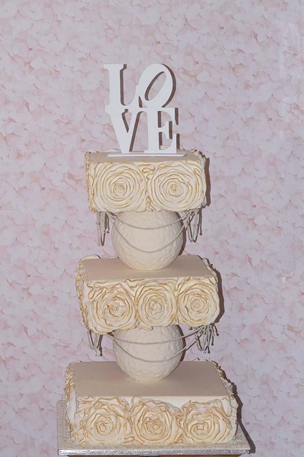 Τούρτα γάμου Ruffles λουλουδιών